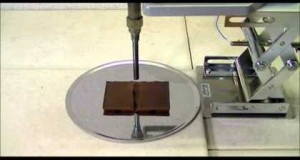 Hot-air heating of the chocolate bar